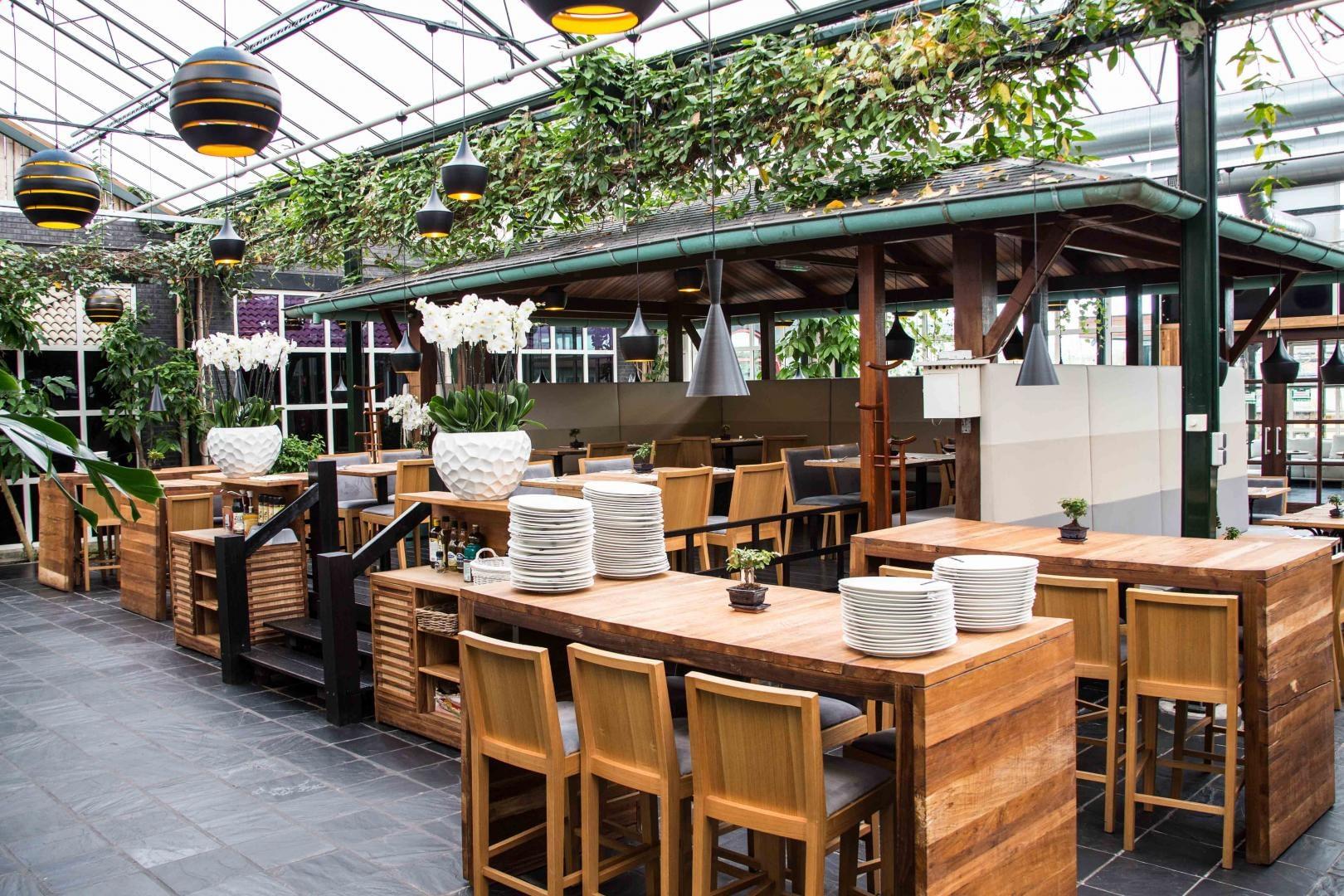 interieur van all inclusive restaurant De Watertuin in het Westland